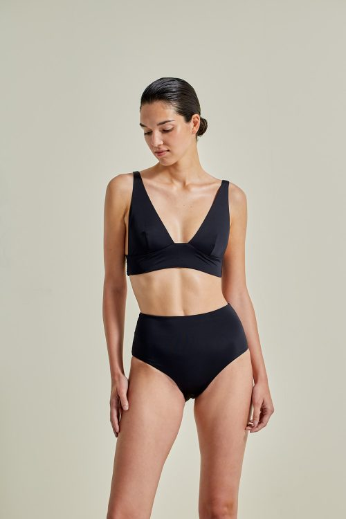 Kapalai Farond, NOW_THEN Sustainable Luxury Swimwear Moda baño sostenible. Eco swimsuits and bikini / Bikinis y bañadores ecológicos. Color black.