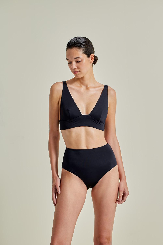 Kapalai Farond, NOW_THEN Sustainable Luxury Swimwear Moda baño sostenible. Eco swimsuits and bikini / Bikinis y bañadores ecológicos. Color black.