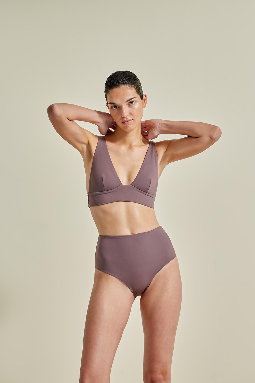 Kapalai Farond, NOW_THEN Sustainable Luxury Swimwear Moda baño sostenible. Eco swimsuits and bikini / Bikinis y bañadores ecológicos. Color taupe